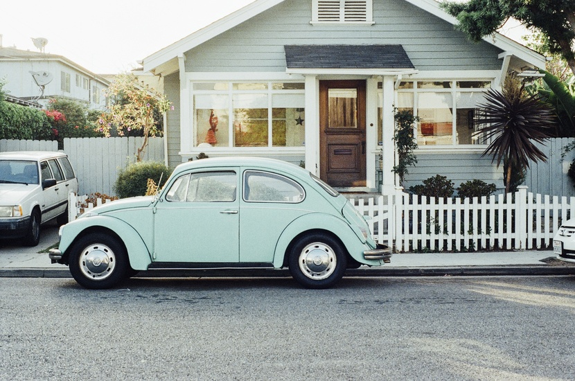house-car-vintage-old-large